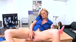 Girl likes getting her shaved twat devoured
