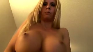 Horny milf seduces cock with her mouth