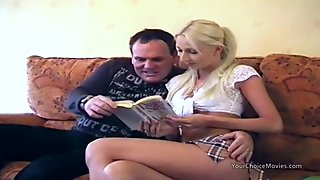 Homemade porn movies sees fat guy giving thin blonde anal