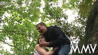 Skanky girl gives head and fucks like dirty slut outdoor