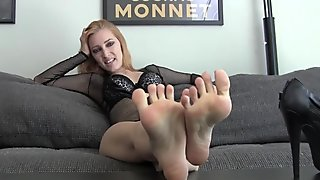 Worship Orias's sexy feet