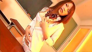 Perky and spoiled student Nazuna Otoi seduces her sensei