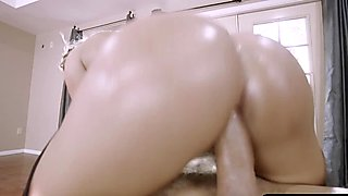Superb curves blonde Cali Carter gets pounded anal