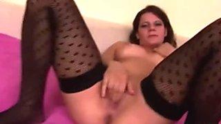 Amateur chick Sasha loves when her boyfriend pisses on her tits