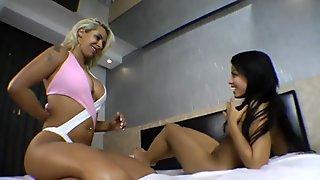 Hots Brazilians tribbing