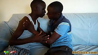 African amateur cleaning pipes with bj
